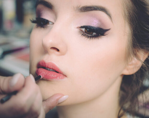 Our Top 10 Starter Tips For Makeup Users